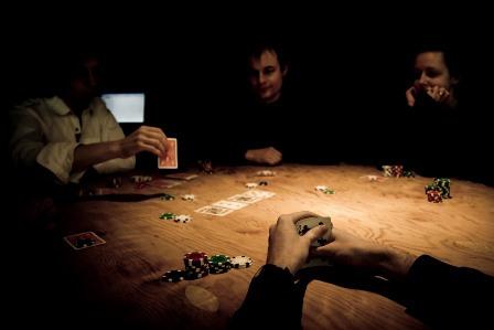 Cara Poker Online Profesional Dimainkan Dengan Trik Efektif